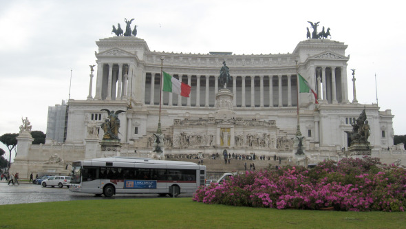 A quiet Piazza Venezia?