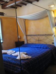 Norcia Accommodation: Casale nel Parco dei Monti Sibillini Bedroom