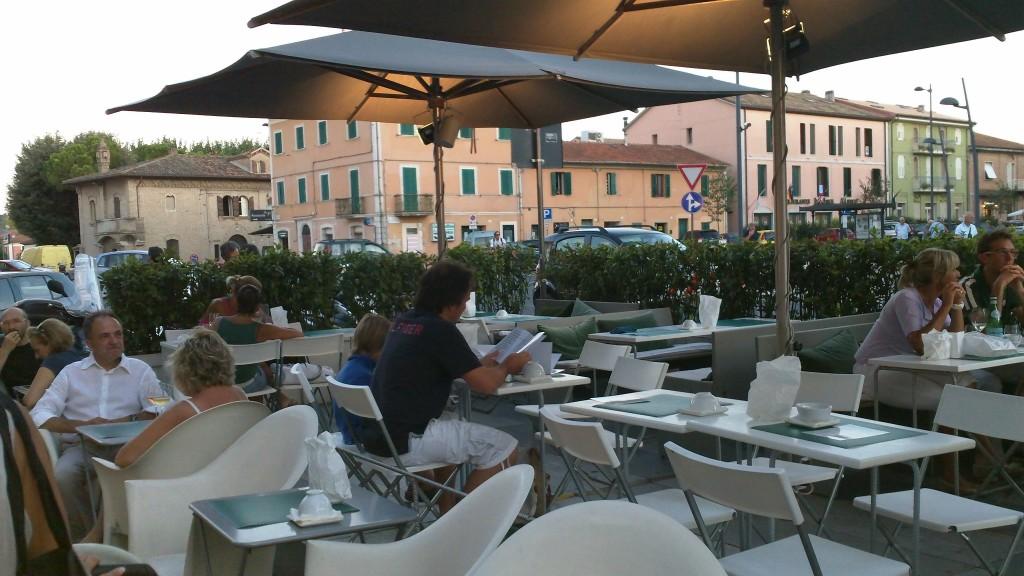 Senigallia places to eat aniko browsingrome for Pomodoro senigallia