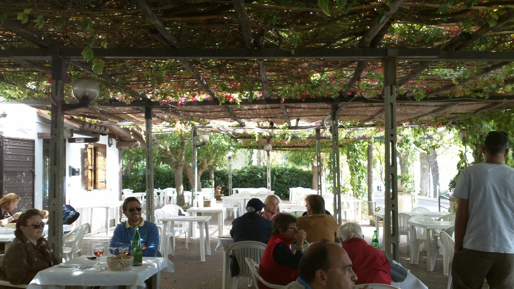 Lunch in Bracciano - Outdoor Dining