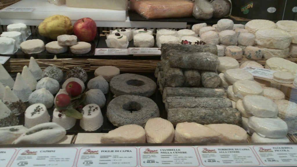 Alternative to a restaurant in Rome: Beppe's Cheeses