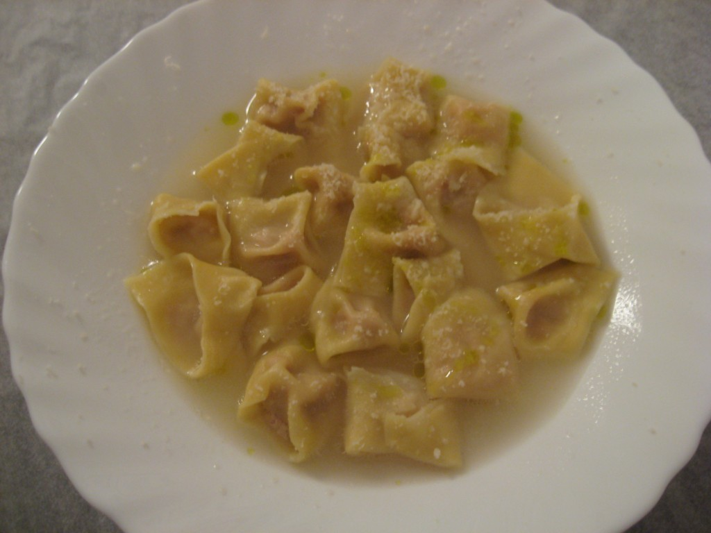 How to make tortellini with broth
