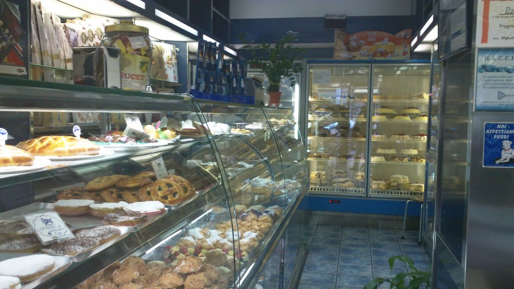 Favorite Bakery in Rome: Regoli - Tight Space