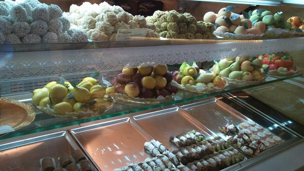 Bakery in Rome: Sicilia e Duci - Marzipan