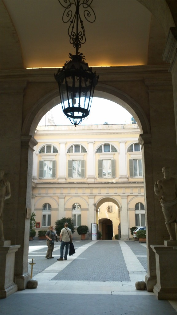 Attraction in Rome: Palazzo Valentini - Courtyard