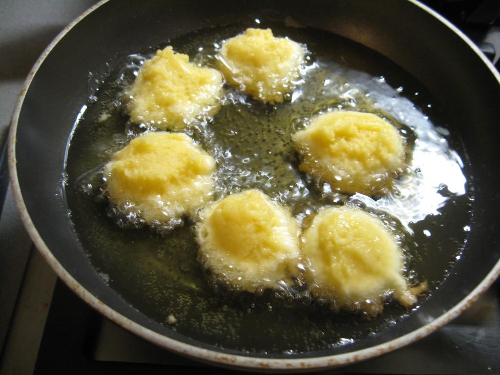 Carnevale:Castagnole Fried in oil