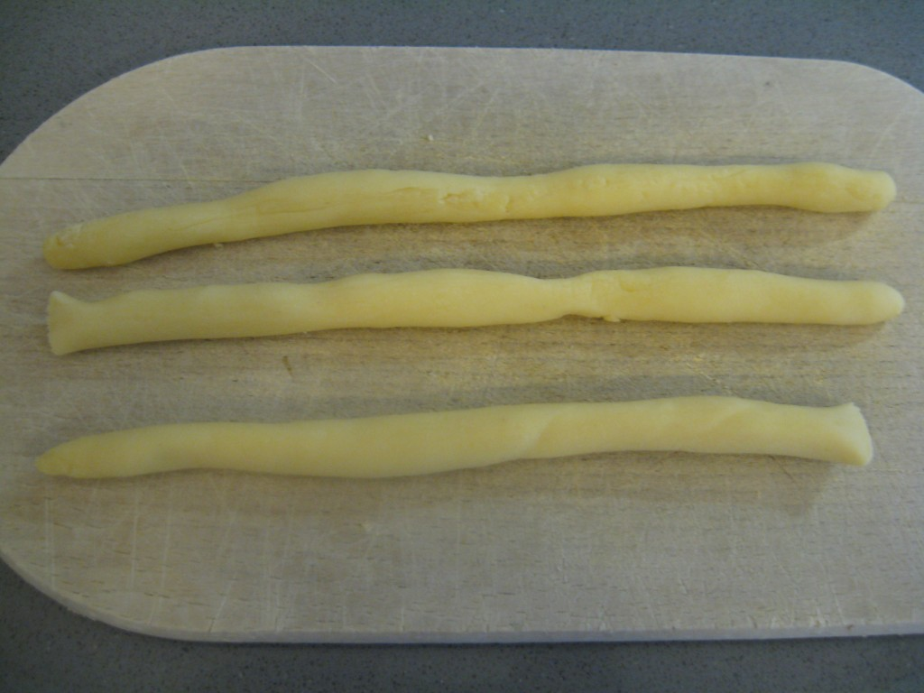 Orecchiette Pasta: Roll dough to pencil thickness