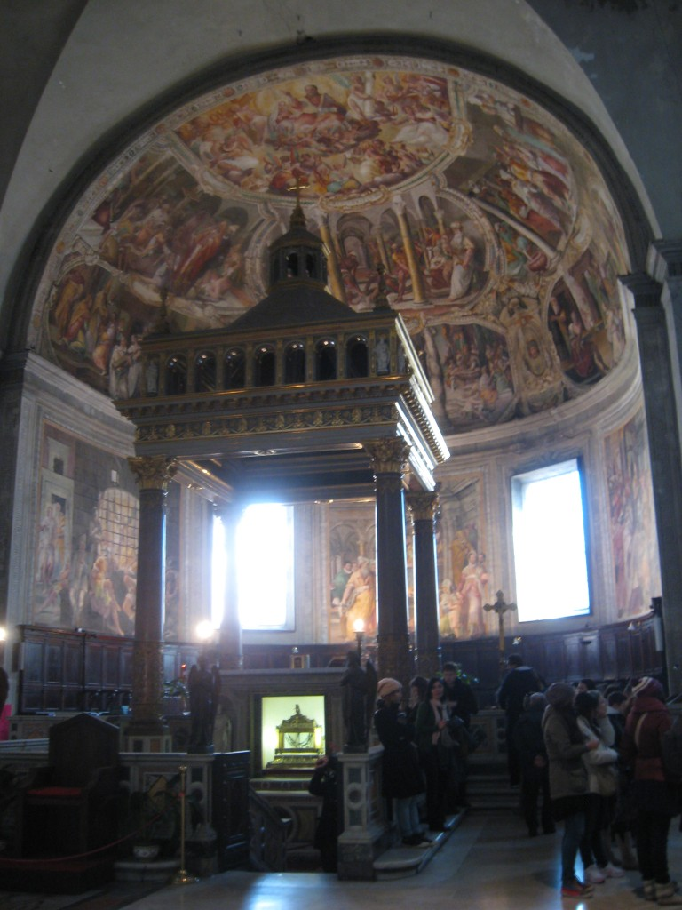 attraction in rome: St Peter in Chains - High Altar