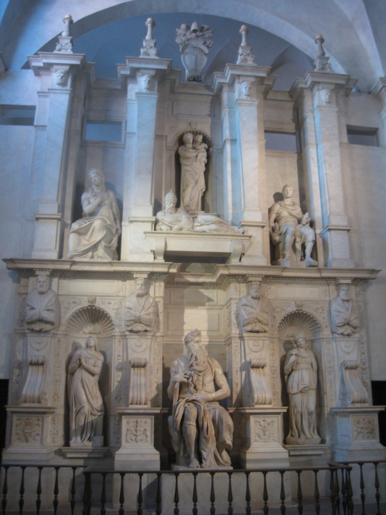Attraction in Rome: St. Peter in Chains - Mausoleum of Pope Julius II