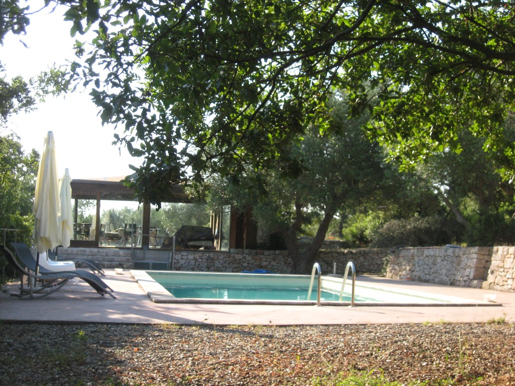 Staying in a trullo in Puglia - Swimming Pool