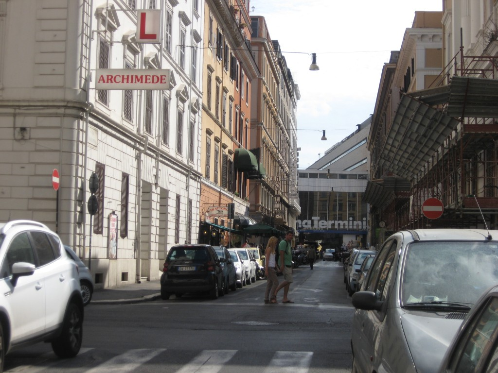 Budget Accommodation in Rome - The Beehive near Termini