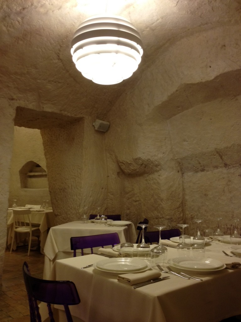 Italian Cave Restaurant In Italy The Best Cave - Restaurant built inside a cave in italy offers beautiful views as you dine