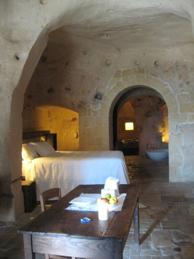 Matera Italy: Room at Le Grotte della Civita