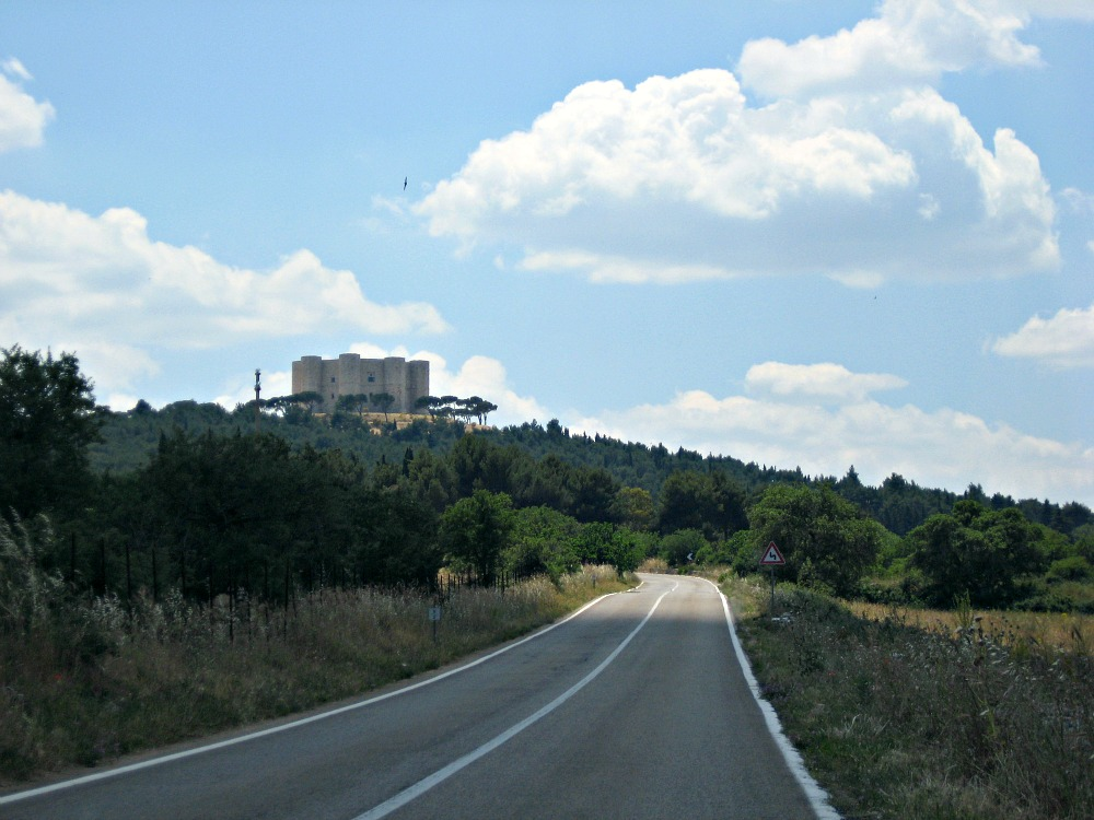Castel del Monte - View from road
