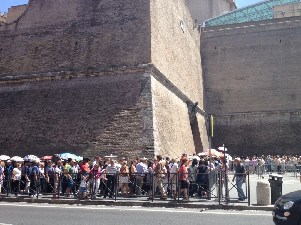 Vatican Sistine Chapel Tour - Lines Outside