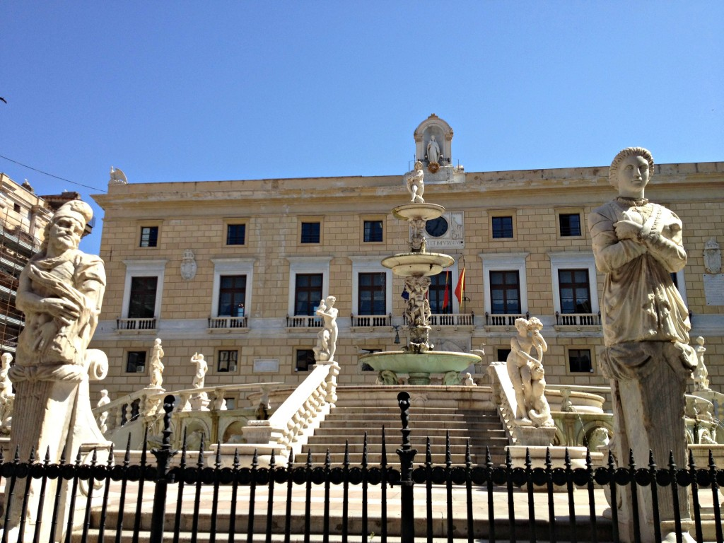 Things to do in Palermo - Piazza Pretorio, Fountain