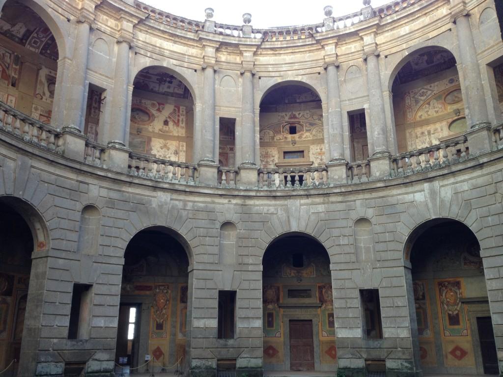 Hidden gems in Lazio - Palazzo Farnese - Caprarola - Worn out