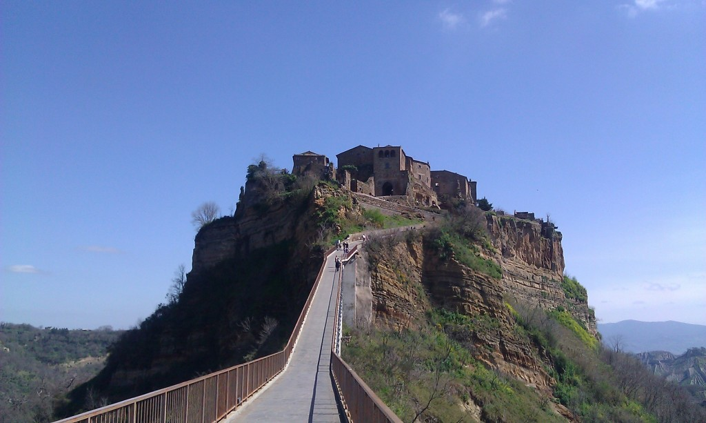 Civita di Bagnoregio - On the pedestrian bridge