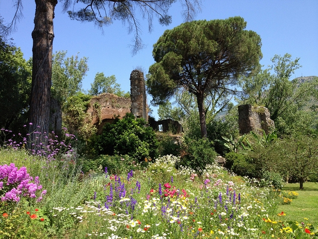 Day trip from Rome: Garden of Ninfa - Flowers and Ruins