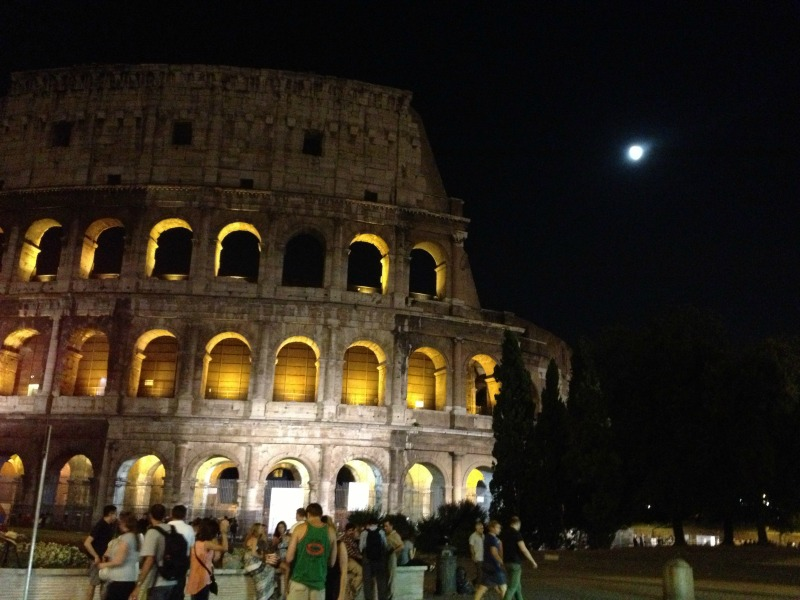 Cooking vacation in Italy: Colosseum at Night
