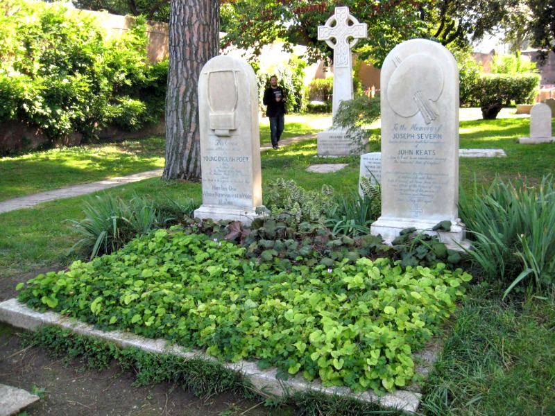 Things to see in Rome: Protestant cemetery at Piramide