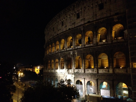 [Video] Cool experience in Rome: Colosseum at Night