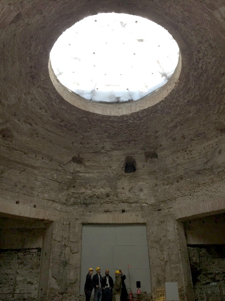Aperture in the dome | Domus Aurea in Rome | BrowsingRome