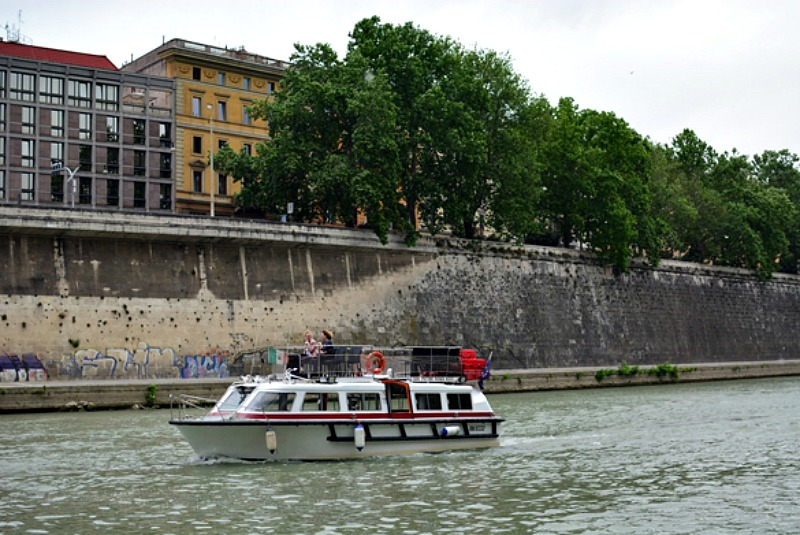 Tevere in Rome | Things to do in Rome: Dining with locals | Photo credit: Keane Li | BrowsingRome