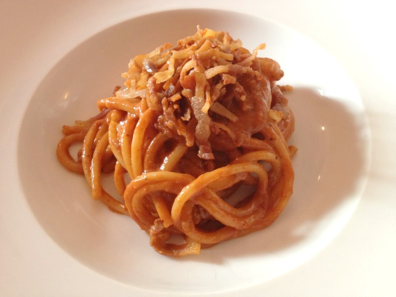 Places to eat in Rome: A stellar dish of amatriciana at Osteria Fernanda in Trastevere, Rome | BrowsingRome