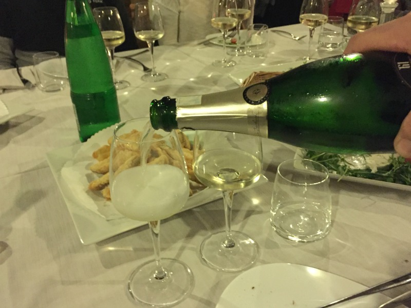 Guided Wine Pairing Dinner in Rome: Fried vegetable appetizers with sparkling wine