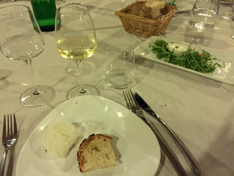 Guided Wine Pairing Dinner in Rome: Buffalo mozzarella with Prosecco