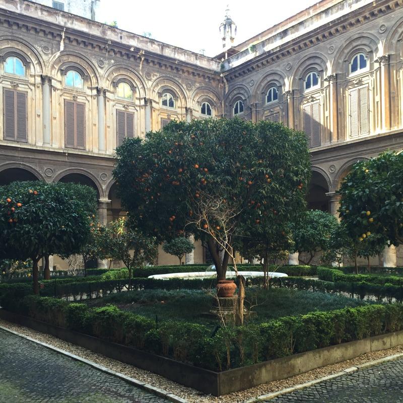 Internal courtyard at Palazzo Doria Pamphilj in Rome | BrowsingRome.com
