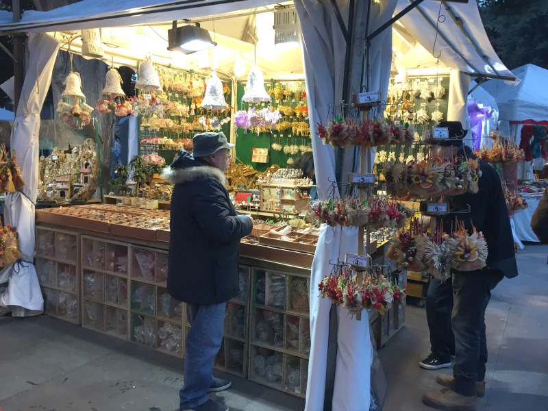 Christmas market in Piazza Mazzini in Rome | BrowsingRome.com