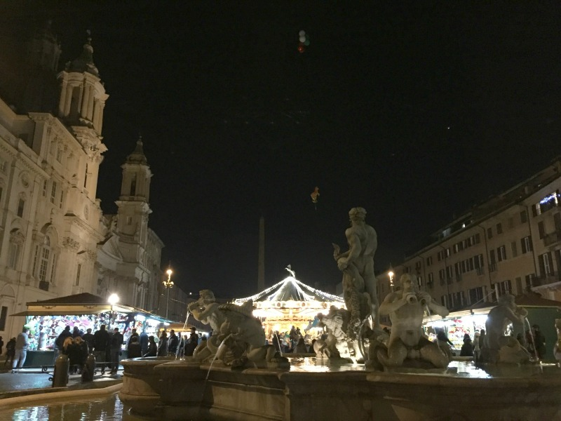 Piazza Navona in Rome during the holidays | BrowsingRome.com
