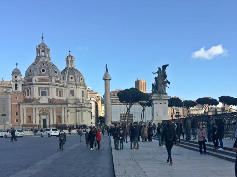 Winter in Rome | Piazza Venezia | BrowsingRome.com